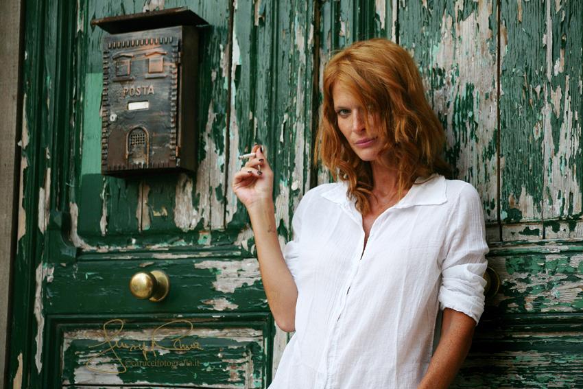 Modella Jane Alexander Taranto, città vecchia